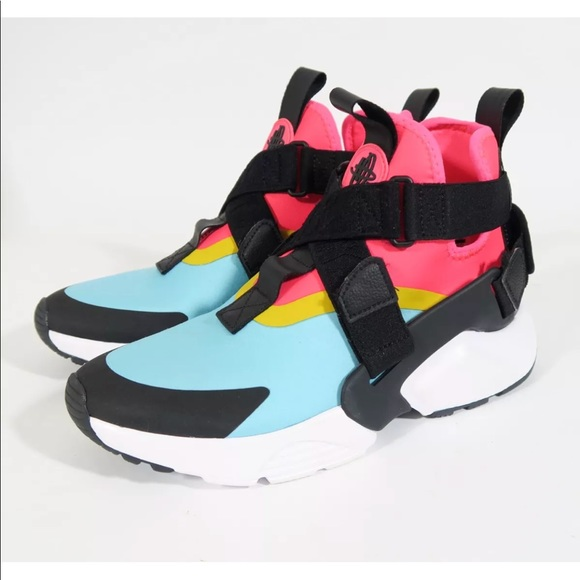 "reputable site 0dd0d 14439 Nike Air Huarache City Edition ""Just Do It"" WMN NWT"